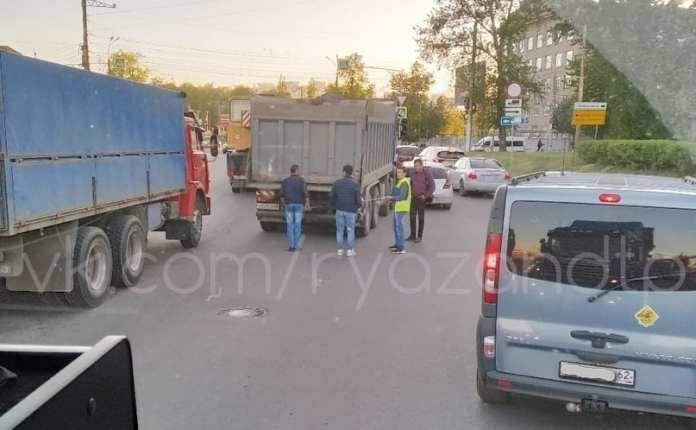 На проезде Яблочкова в Рязани произошло ДТП