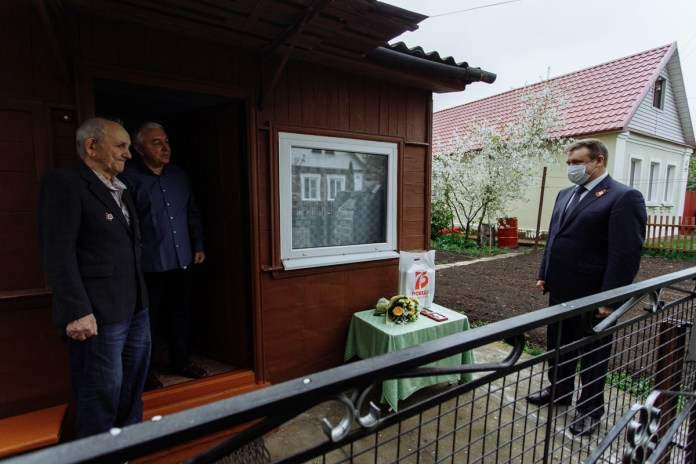 Николай Любимов лично поздравил ветеранов ВОВ