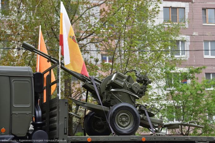 Администрация показала движение колонны военной техники по улицам Рязани