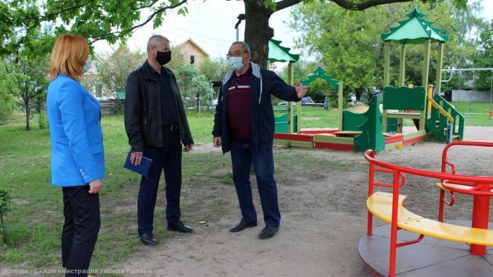 В Рязани проверяют благоустройство детских площадок