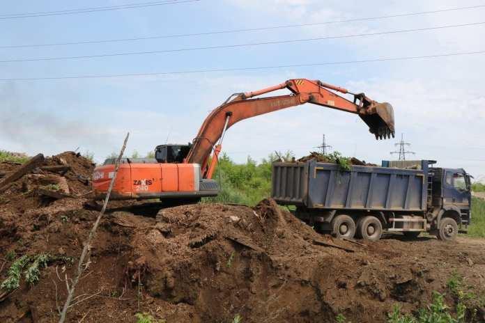В Рязани ликвидируют несанкционированную свалку в Хамбушево