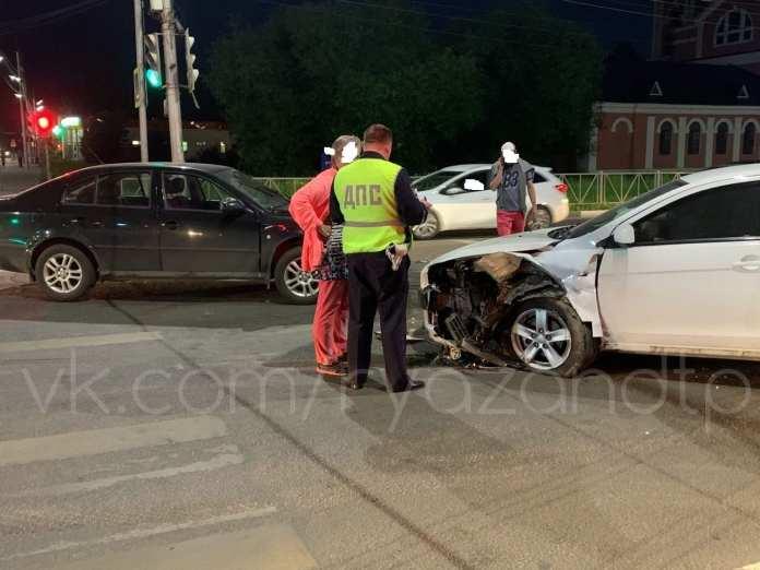 В аварии в центре Рязани пострадали девушки