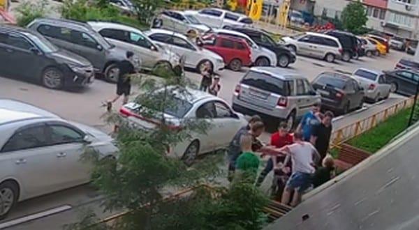 Массовая драка в Канищеве попала на видео