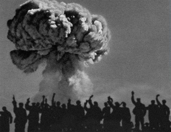 В Китае проведено испытание первой водородной бомбы