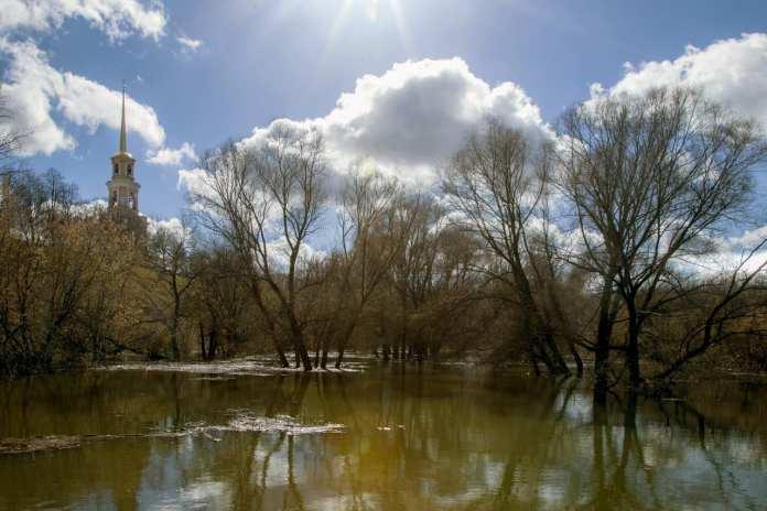 Под Рязанью закроют затопленную дорогу