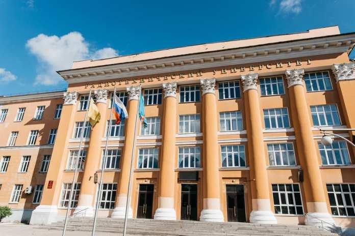 Для выпускников РГРТУ откроют территорию перед университетом в День радио