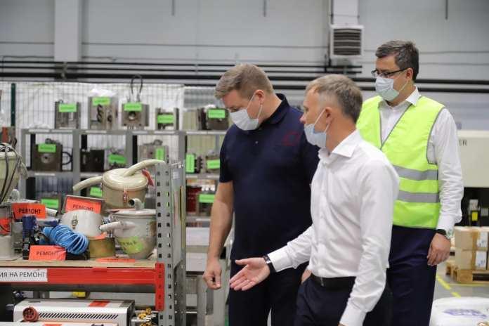 Николай Любимов посетил рязанское предприятие по производству изделий из пластмасс