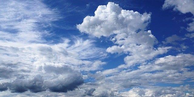 В последний день сентября в Рязани ожидается теплая погода и сильный ветер