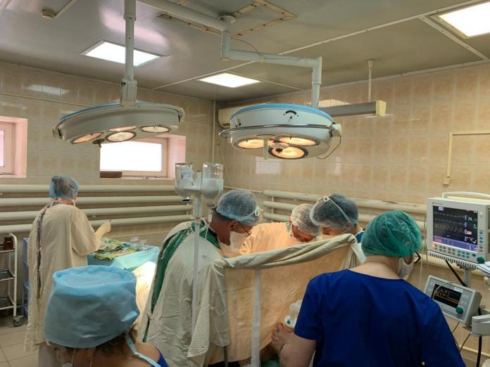 Рязанские онкологи удалили пациентке сложную опухоль с помощью двух проколов