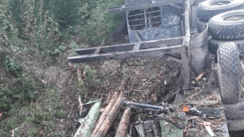 Труп шофера валялся в лесовозе, пока его не достали родные