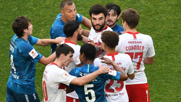 Форвард «Спартака» не попал в сборную России из-за конфликта с Дзюбой