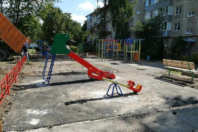 В Рязани продолжают благоустраивать скверы