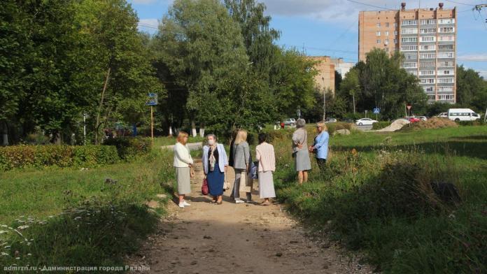 Представители администрации обсудили с рязанцами благоустройство Севастопольской аллеи