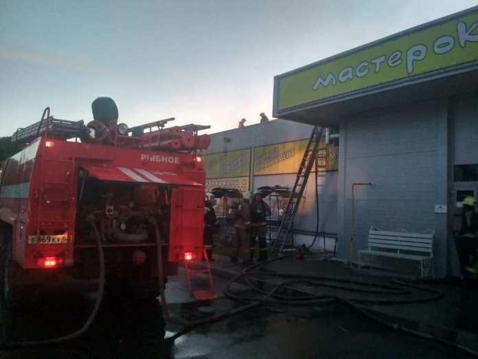 Ночью в Рыбном горел магазин