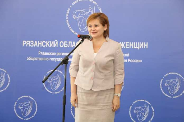 Елена Сорокина поздравила активисток рязанского женсовета