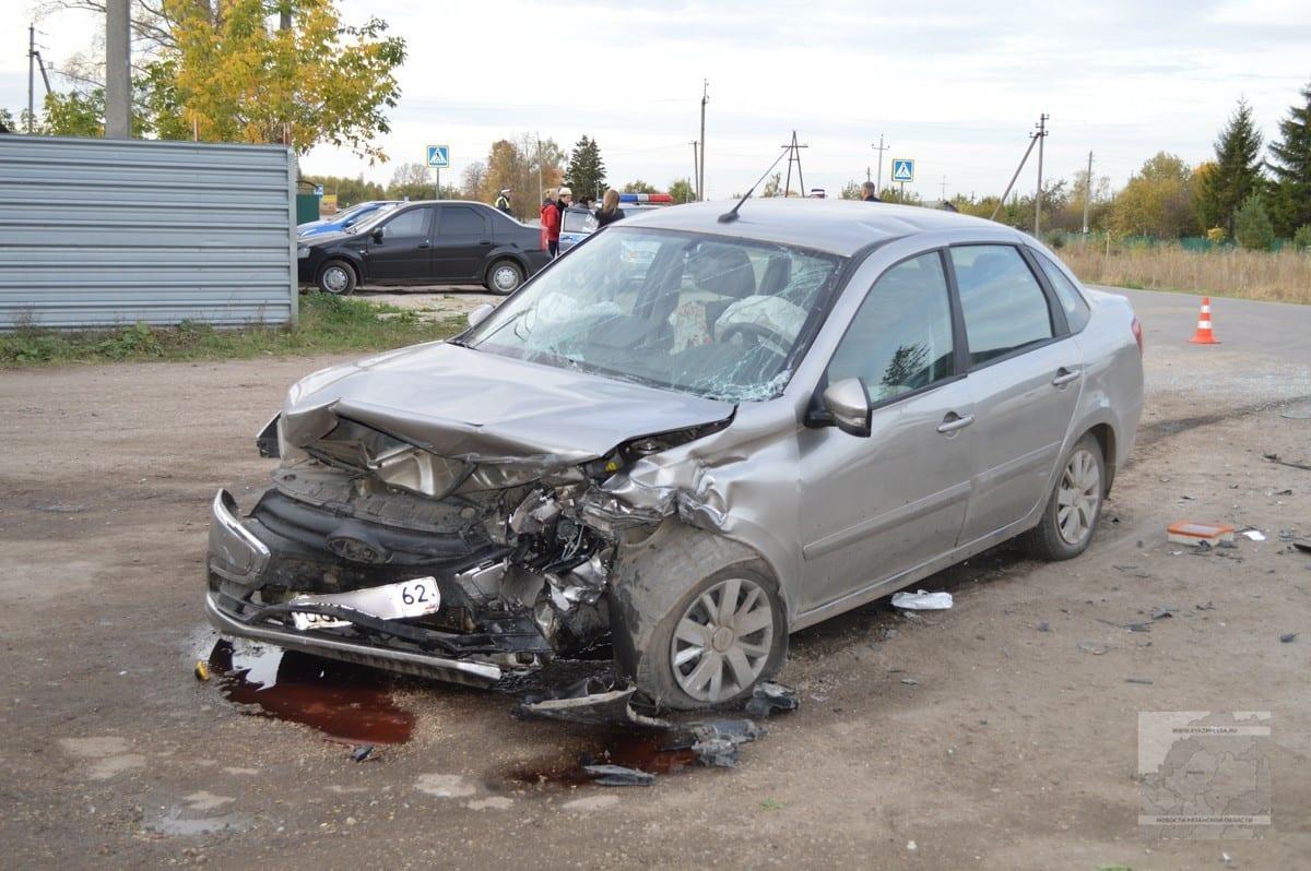 Пять человек, в том числе двое детей, пострадали в ДТП в Рязанской области