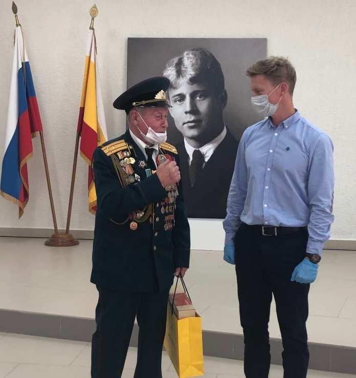 РНПК поздравила ветеранов накануне Дня пожилого человека