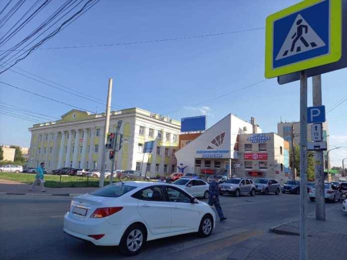 В центре Рязани автомобиль сбил молодую девушку