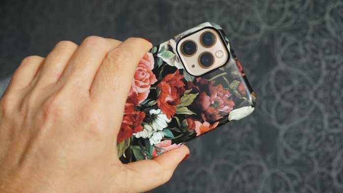 Стали известны цены на новый iPhone 12 в России