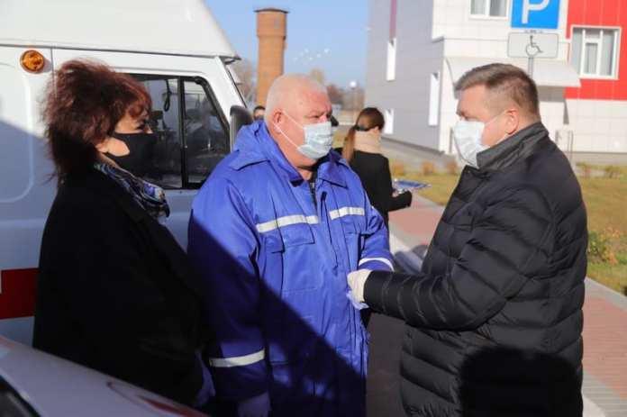 Медицинским учреждениям Рязанской области передали новые автомобили скорой помощи