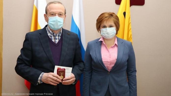 Почётному гражданину Рязани Валерию Чернышову вручили медаль «925 лет Рязани»