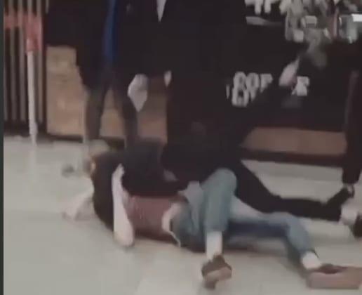 Рязанская полиция инициировала проверку после драки подростков в ТЦ
