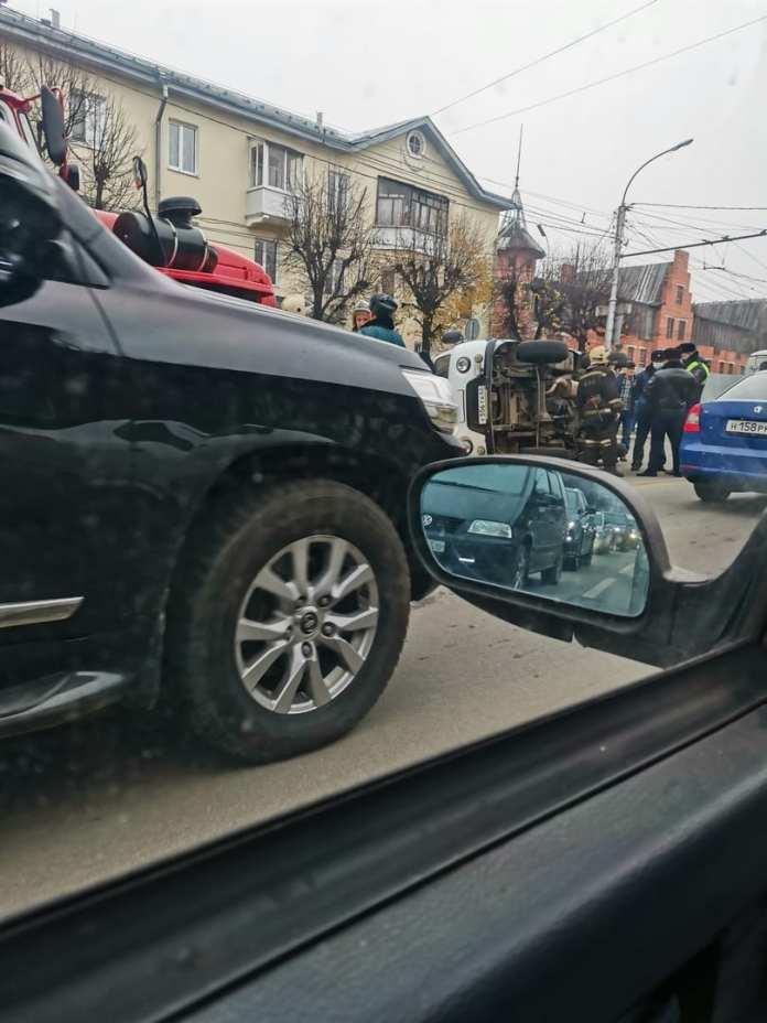 В ДТП с участием «скорой» на Куйбышевском шоссе пострадали три человека