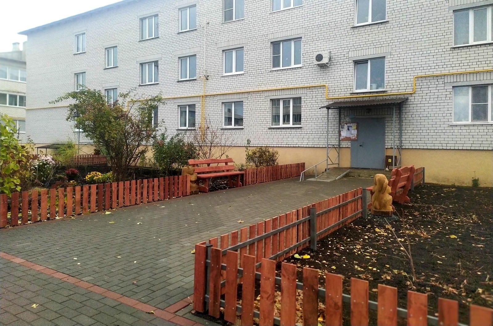 Елена Митина оценила качество благоустройства дворовой территории в городе Михайлове