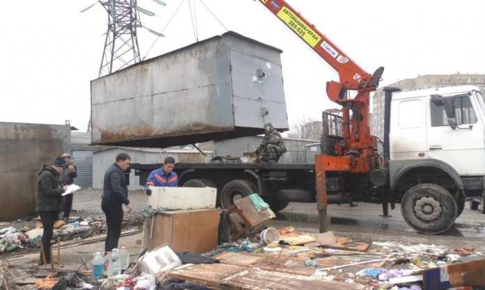 В Советском районе Астрахани демонтируют 36 незаконных гаражей