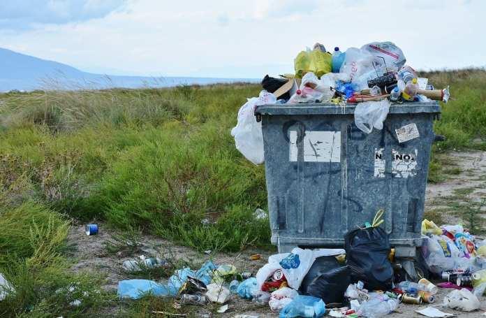 Жители Архангельской области задолжали более 20 млн рублей за вывоз мусора