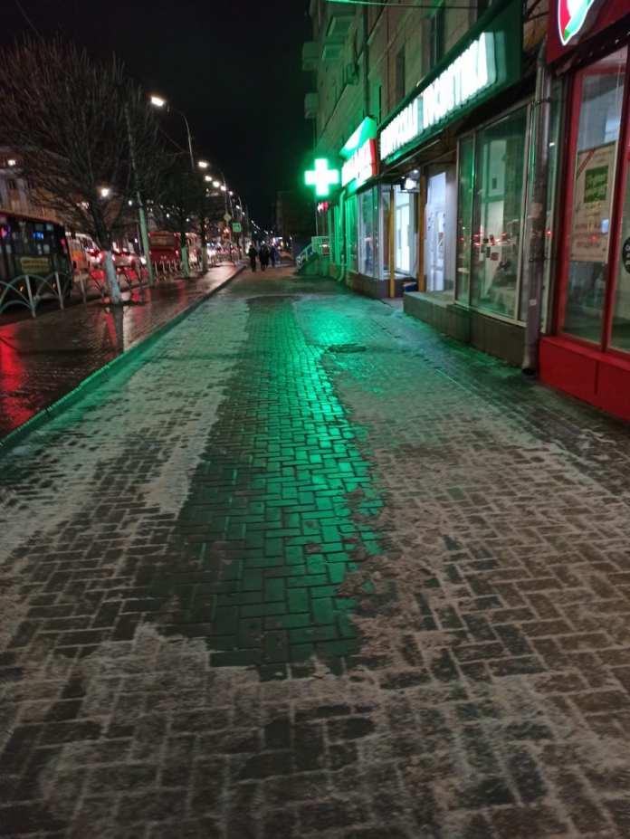 Рязань во власти гололёда: фоторепортаж с улиц вечернего города