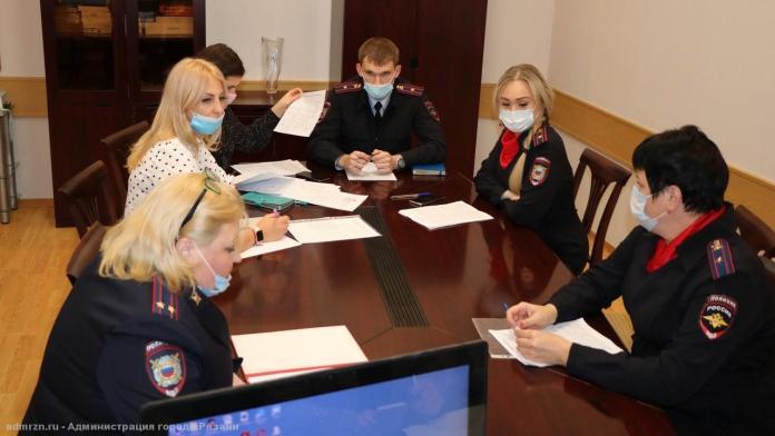 В Рязани проверят, как подростки соблюдают запрет на посещение ТЦ без взрослых