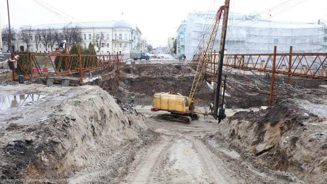 Ремонтирующие мост у цирка в Рязани рабочие приступили к новому этапу работ