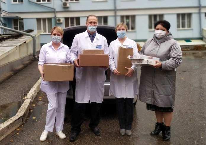 Елена Митина поддержала медицинских работников, работающих в «красной зоне»