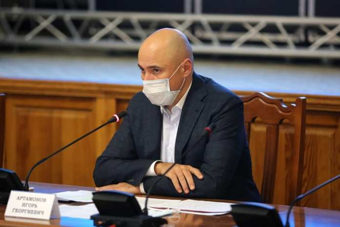 Игорь Артамонов призвал липецких фармацевтов формировать запас лекарств
