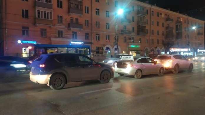 В центре Рязани произошло тройное ДТП