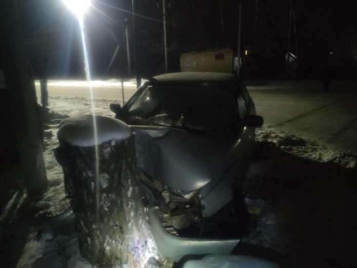 В Ряжске пьяный водитель врезался в дерево