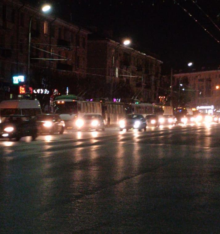 В центре Рязани встали троллейбусы