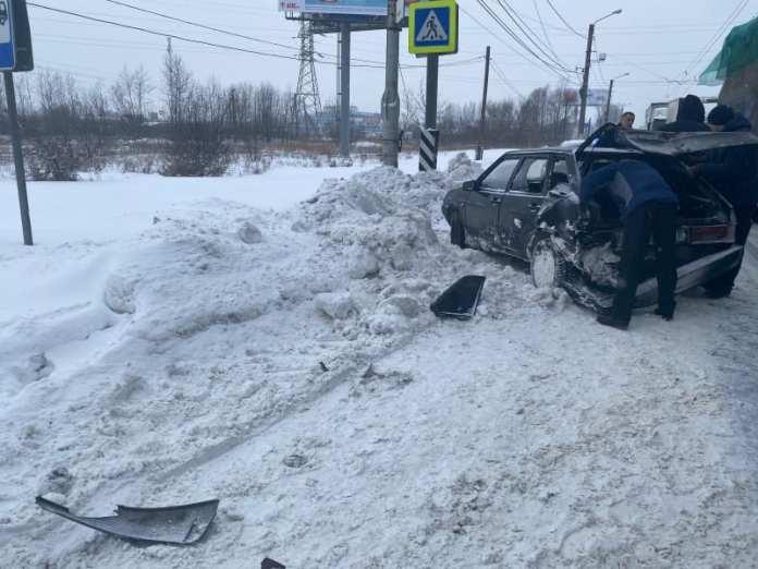 В Рязани на пешеходном переходе при столкновении двух автомобилей пострадала пожилая женщина