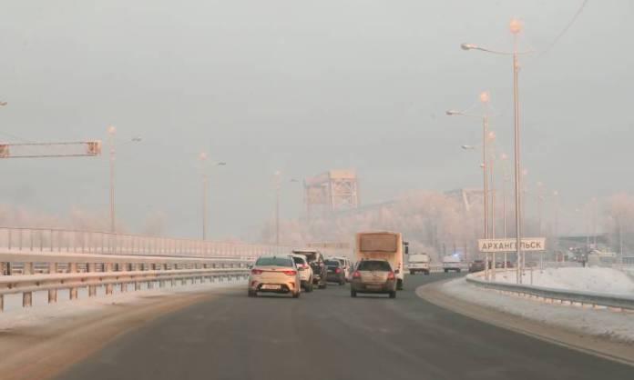 Северодвинский мост в Архангельске перекрывают каждую ночью до 31 января из-за ремонтных работ