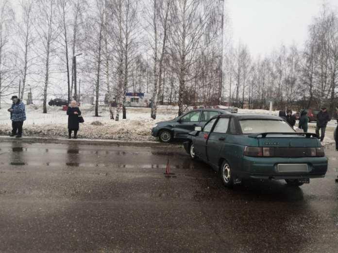"""В аварии """"Лады Гранты"""" с """"десятой"""" в Милославском районе пострадал мужчина"""