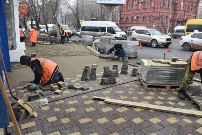 Улицу Анри Барбюса в Астрахани отремонтировали уже на 90%, ее могут открыть раньше срока