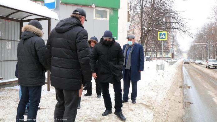 Владимир Бурмистров провёл объезд городских территорий на качество уборки которых жаловались рязанцы