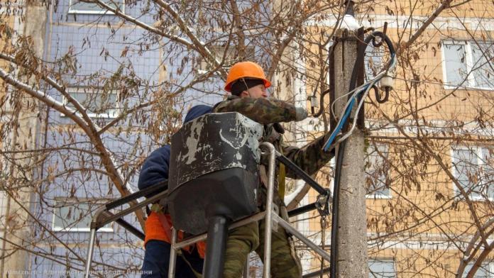 За неделю в Рязани отремонтировали более 1 700 метров проводов уличного освещения