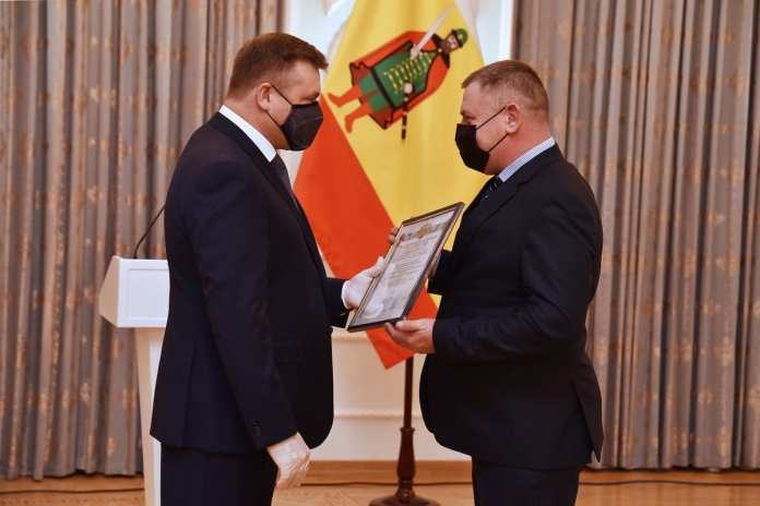 В Рязани вручили 34 свидетельства о регистрации официальной символики муниципалитетов