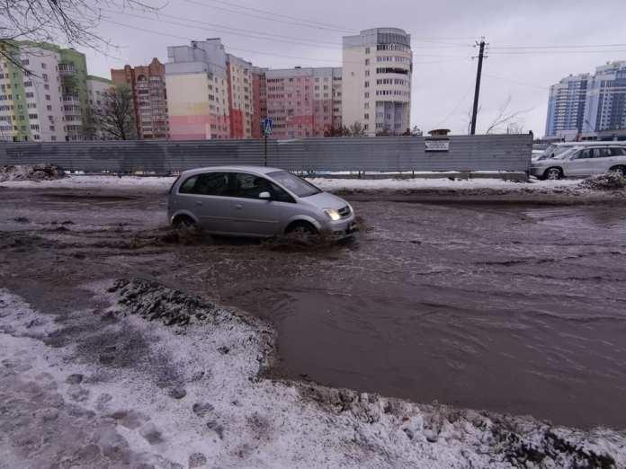 Рязанцы пожаловались на затопленную улицу Татарскую