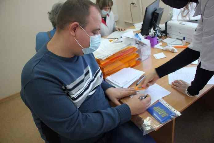 Депутаты Рязанской гордумы сделали прививку от коронавируса