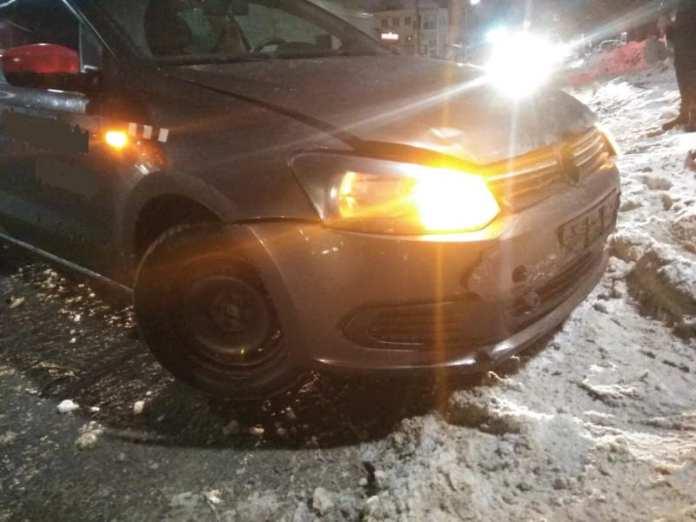Один человек пострадал в аварии с двумя иномарками на улице Островского в Рязани