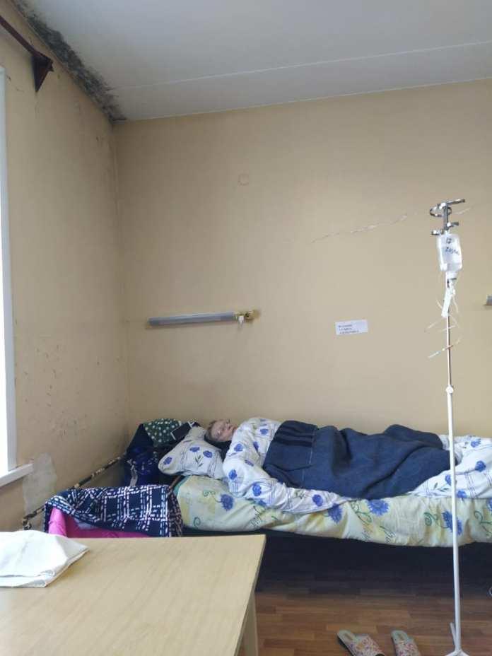 Пациенты архангельской больницы №4 пожаловались депутату Гордумы на холод и плесень в палатах