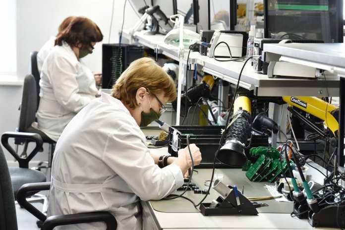 Любимов высоко оценил продукцию рязанского радиозавода